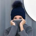 Bonnet Bleu Marine avec pompon fourrure modèle Charly Acrylique et Laine ne gratte pas